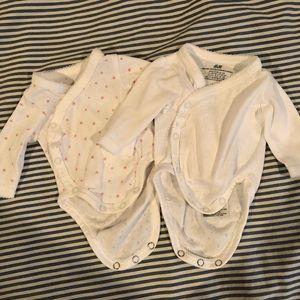 Organic cotton < 0-1 m long sleeve onesie